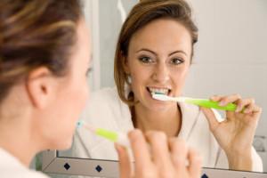 Putzbewegungen mit einer elektrischen Zahnbürste